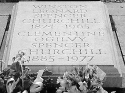 파일:external/www.forensicgenealogy.info/churchill_tomb.gif