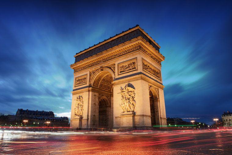 파일:external/static-v3e.raileurope-world.com/france-paris_arc_de_triomphe-_c_im_photo-shutterstock_124132732-ce028.jpg