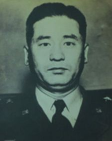 파일:external/upload.wikimedia.org/225px-General_Won_Yong-Deok.jpg