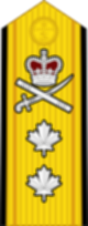 파일:external/upload.wikimedia.org/80px-Canadian_RCN_%28shoulder%29_OF-7.svg.png