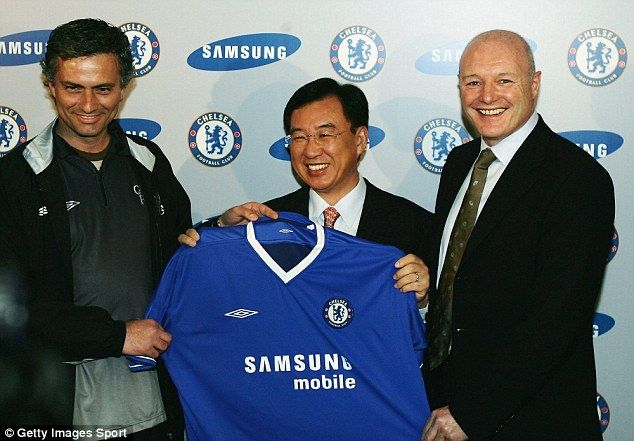 파일:external/i.dailymail.co.uk/1410214520876_wps_25_Chelsea_manager_Jose_Mour.jpg