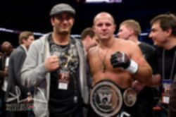 파일:external/mmaoctagon.ru/Gegard%20Mousasi%20and%20Fedor%20Emelianenko.jpg