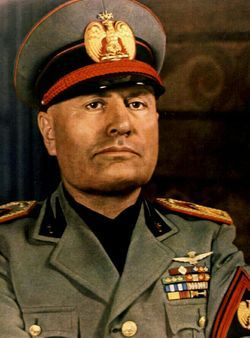 파일:Benito_Mussolini_colored.jpg